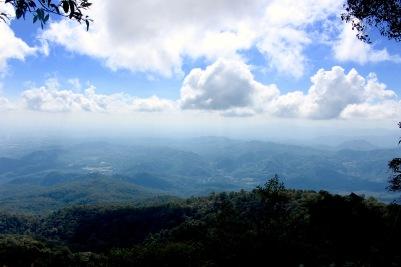 Arrêt hasardeux en pleine montagne de Chiang mai